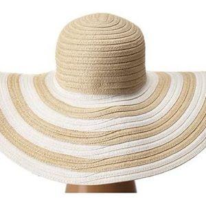🆕 Vera Bradley hat